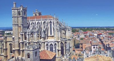 Cathédrale sur le Canal du Midi