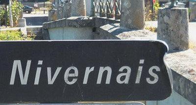 Panneau de signalisation du Nivernais en Bourgogne