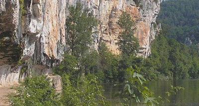 Chemin de halage à Bouziès