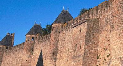 Cité de Carcassonne sur le Canal du Midi
