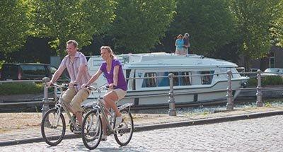 Vélo le long du canal
