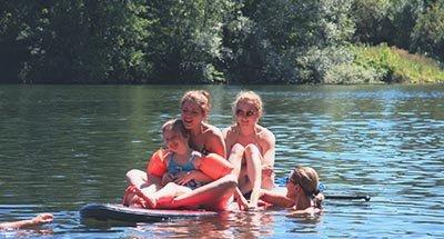 Baignade dans la rivière Lot