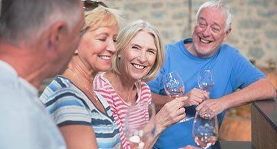 Dégustation de vin en groupe
