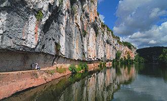 Le chemin de halage à Bouziès